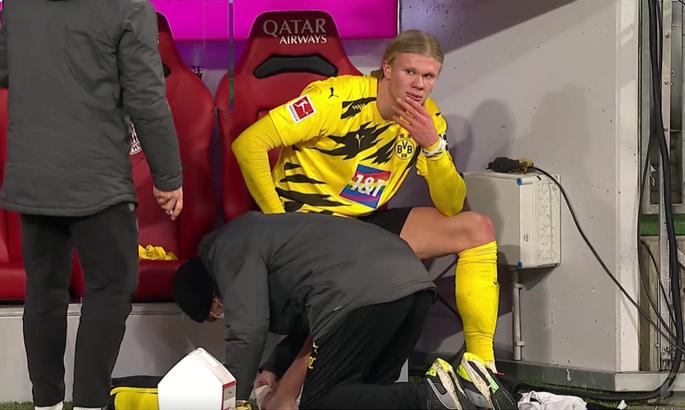 Холанд травмировал ногу до крови и был заменен в матче с Баварией