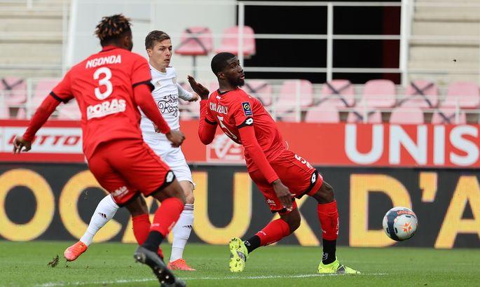 Лига 1. Бордо и Ренн прервали серии неудач, 11-е поражение Дижона