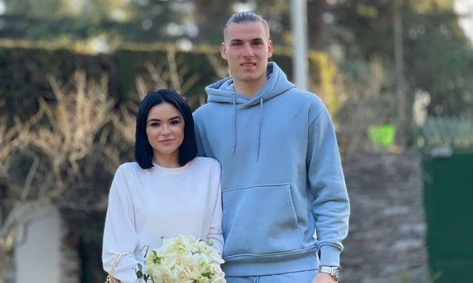 Одним холостяком меньше. Андрей Лунин женился на своей очаровательной девушке. ФОТО