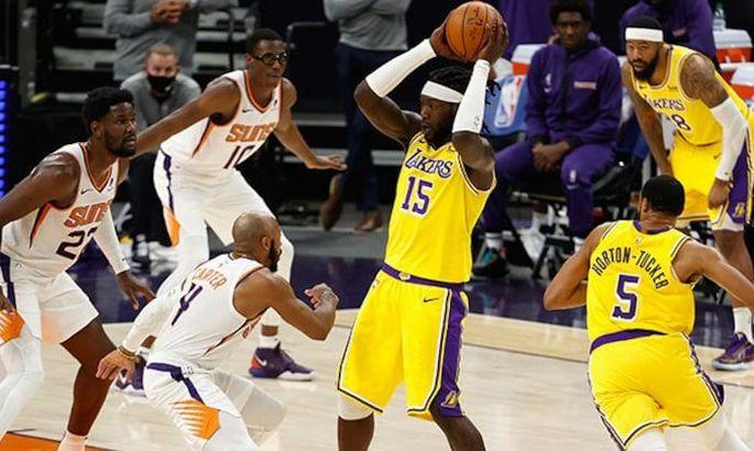 НБА: Финикс разобрался с Лейкерс, Филадельфия дожала Нью-Йорк