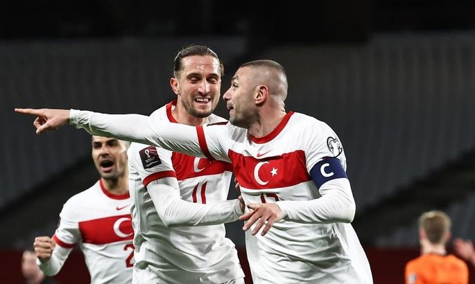 Чудо-голы и шок для Франка де Бура. Турция - Нидерланды 4:2. Обзор матча