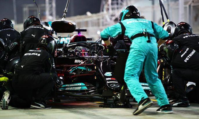 Хэмилтон превзошел Шумахера по кругам лидирования в Формуле-1