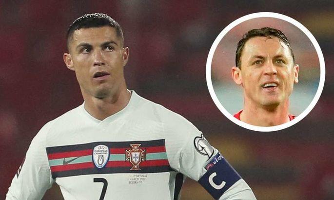 Роздрукував скриншот: хавбек МЮ потролив Фернандеша та Роналду після незарахованого голу португальців