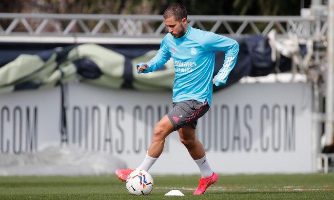 Внезапная радость для Зидана: Кроос и Азар тренируются в общей группе Реала накануне матчей с Ливерпулем