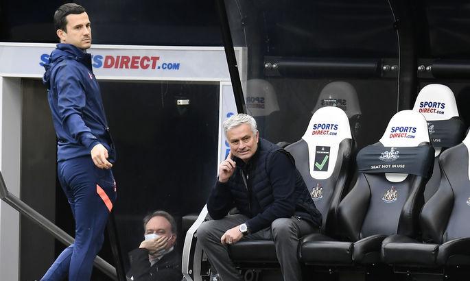 """""""Я тот же тренер, но игроки - другие"""". Моуриньо объяснил, почему Тоттенхэм снова не удержал победу"""