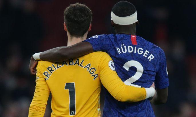 Нервы из-за разгрома прорвались на тренировку: Рюдигер сцепился с Кепой на тренировке Челси