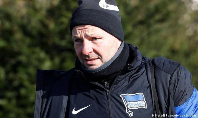 Тренер Герты лишился должности после откровенного интервью