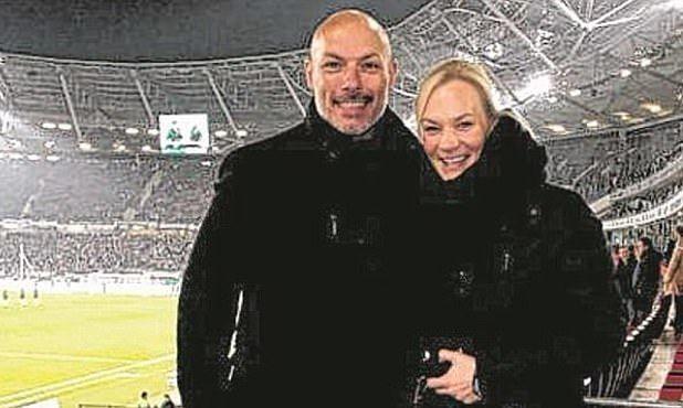 Футбольный арбитр Ховард Уэбб женился на коллеге