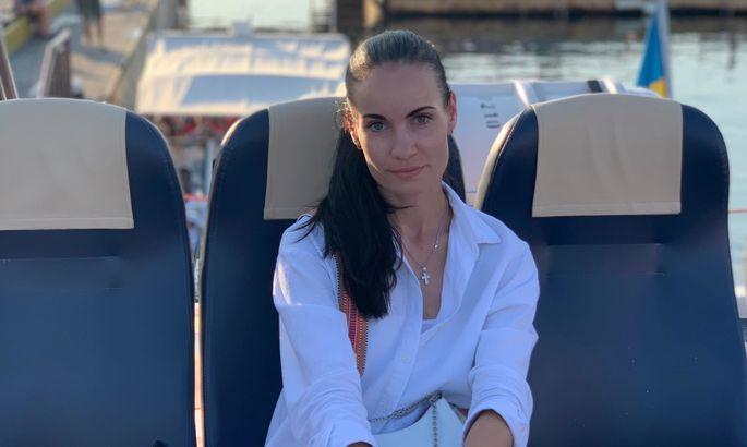 Шикарна модель, яка стала суддею в чемпіонаті України і постраждала в дербі Карпат. ФОТО