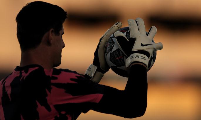 Тяжелое поле и травмы. Голкипер мадридского Реала объяснил потерю очков в матче с Хетафе