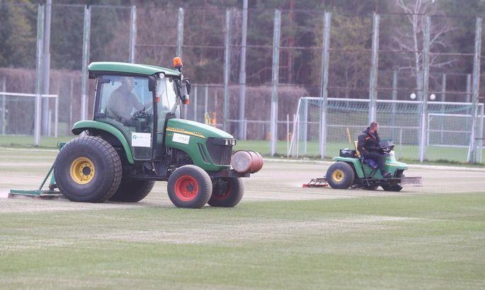 Динамо постелит гибридный газон на стадионе Лобановского