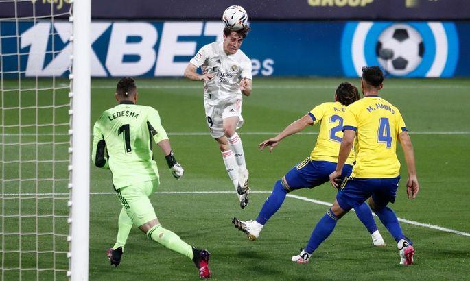 Примера. Кадис - Реал 0:3. Сливочные вышли на первое место в таблице