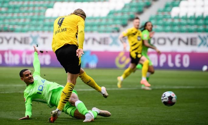 Дортмунд вернулся в гонку за ЛЧ. Вольфсбург – Боруссия 0:2. Обзор матча