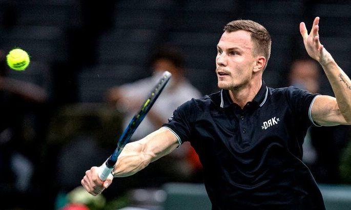 Удар года в теннисе? Шедевр от венгра в Мадриде. ВИДЕО