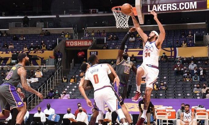 НБА: Лейкерс бьют Денвер, победы Юты и Филадельфии
