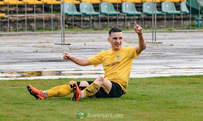 20-летний Хавбек Авангарда отыграл 50 минут в матче с Альянсом с переломом ноги