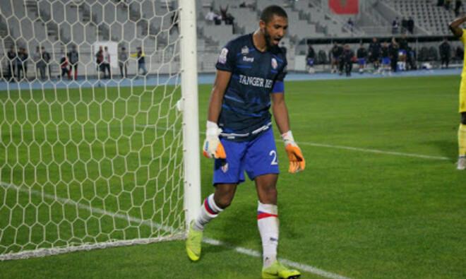 Полевой игрок вытащил два пенальти и вывел команду в полуфинал Кубка Марокко. ВИДЕО