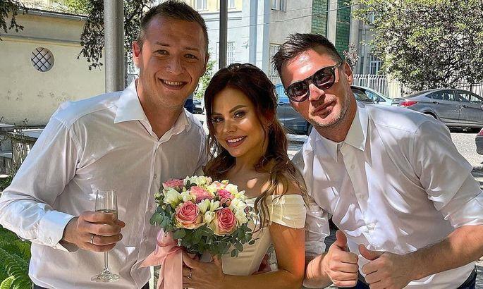 Мілевський запалив на весіллі воротаря Миная. ФОТО