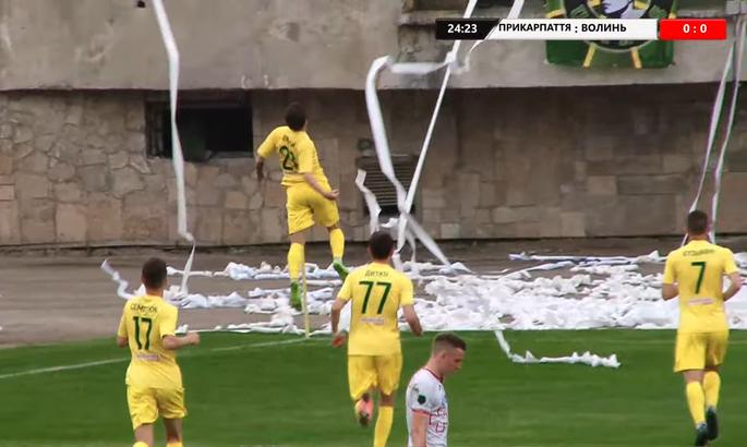 Два пенальти дарят победу франковцам. Прикарпатье - Волынь 2:0