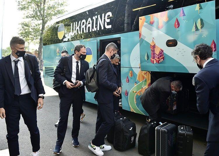 Сборная Украины прибыла в Бухарест - ФОТО - изображение 6