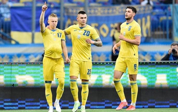 Мир треугольников, глубина и стратегическая скорость: Тактика в последнем матче Украины перед Евро - изображение 5
