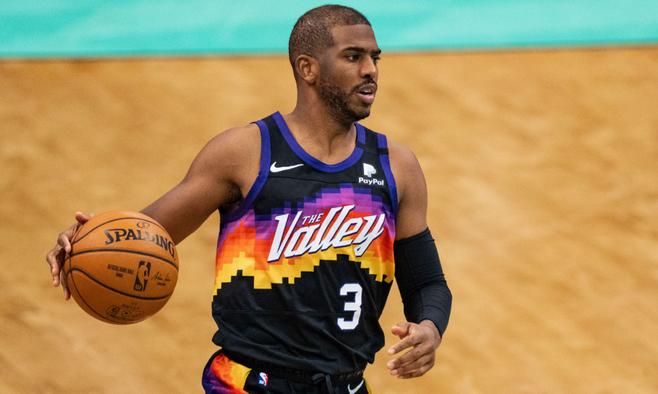 """Потрясающий """"слепой"""" пас Пола – момент дня в НБА. ВИДЕО"""