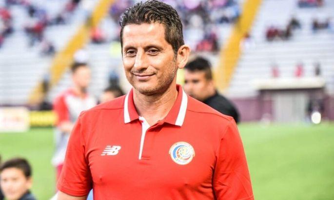 После этого поражения в товарищеском матче со США Коста-Рика уволила главного тренера