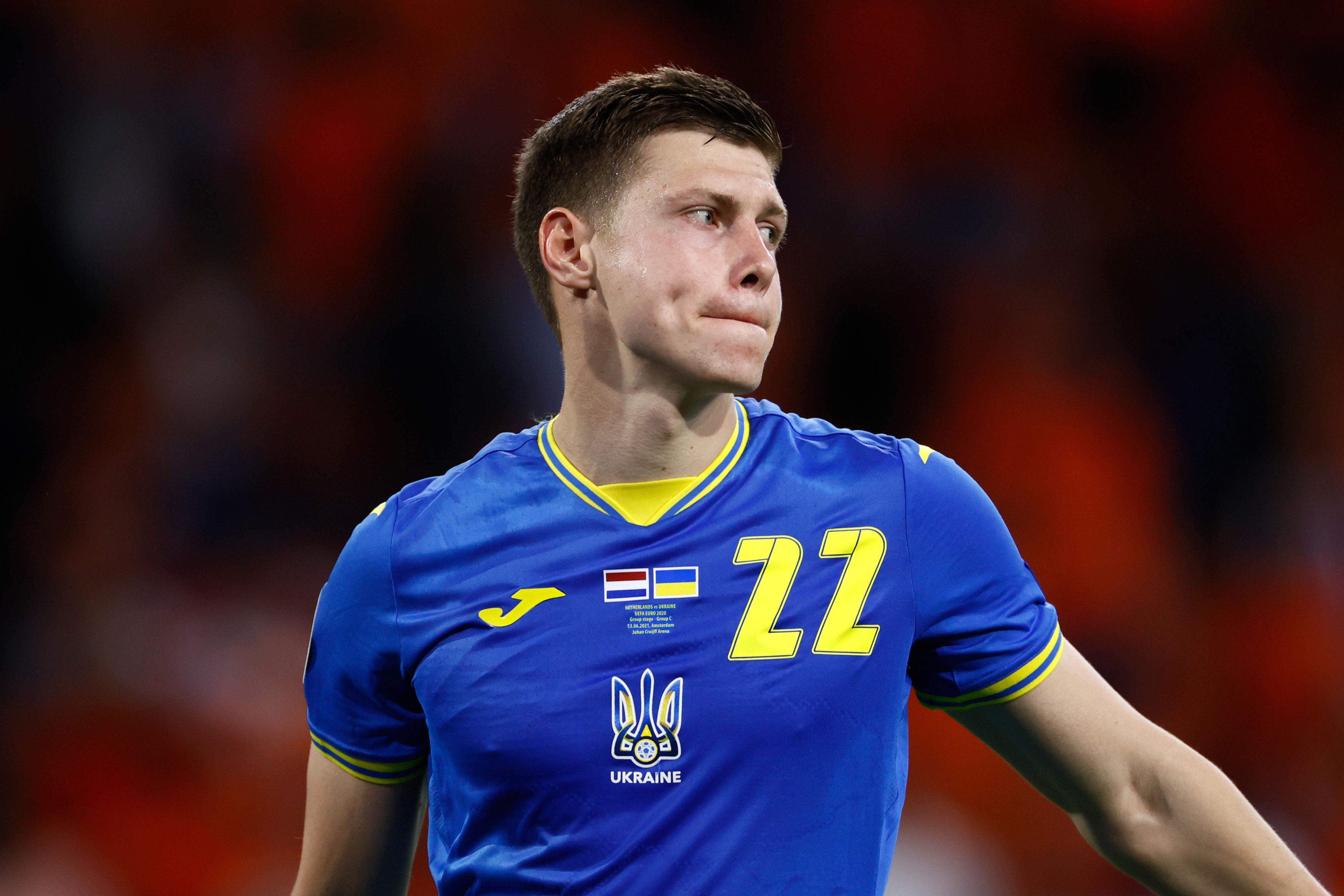 Замаскували. Україна зіграла на Євро-2020 у футболках, на яких майже не видно зображення контурів держави. ФОТОФАКТ - изображение 2
