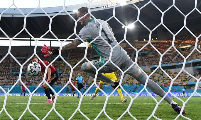 Первая топ-команда не одерживает победы. Испания - Швеция 0:0. Обзор поединка