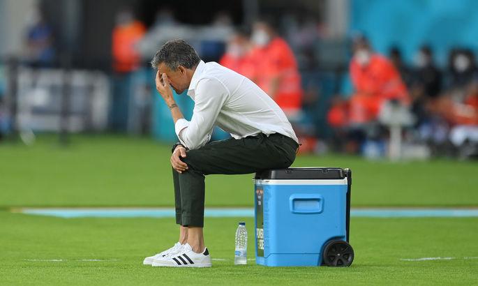 Геройства и неудачи вратарей, раздумье Луиса Энрике. Лучшие кадры Евро-2020 за 14 июня - изображение 7