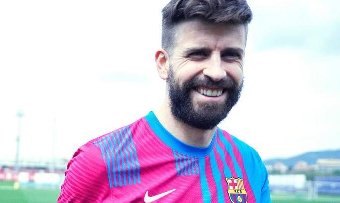 Барселона представила форму на новый сезон с крестом святого Георгия