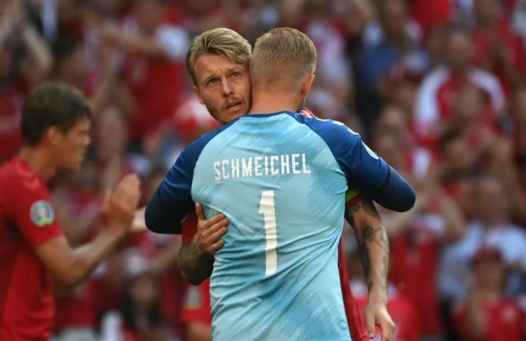 Данія і Бельгія домовились і призупинили матч на 10-ій хвилині - изображение 1