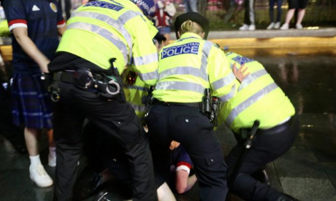 Полиция арестовала 30 болельщиков после матча Англия - Шотландия
