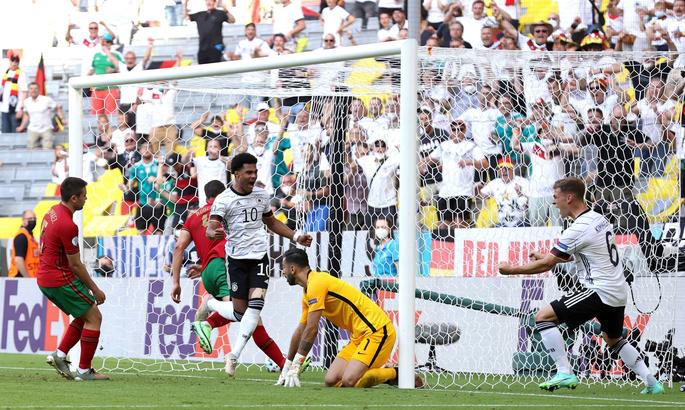 Германия вышла вперед в матче с Португалией благодаря двум автоголам - ВИДЕО