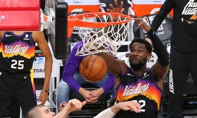 Победный аллей-уп Финикса – момент дня в НБА. ВИДЕО