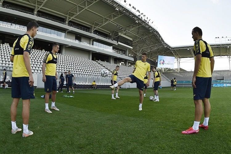 Сборная Украины начала подготовку к матчу с Швецией - ФОТО - изображение 2