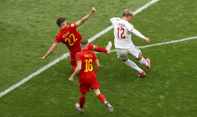 Обводящий удар от одного из датских лидеров. Лучший гол дня Евро-2020