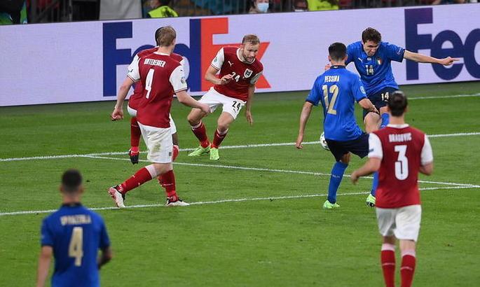 Італія - Австрія 2:1 (дод. час). Перемога замін