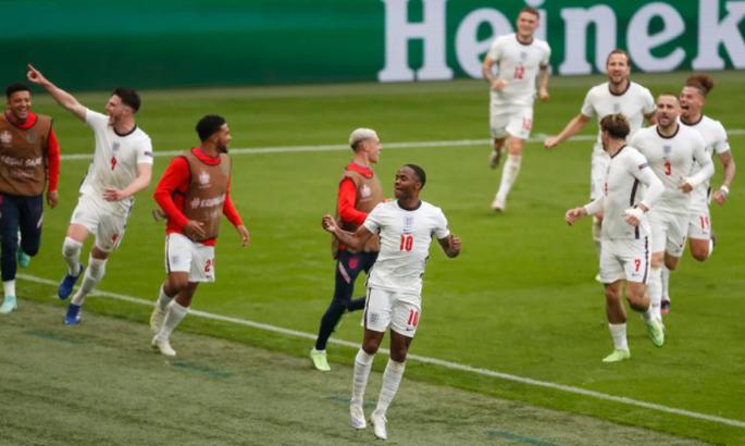 Гол Стерлинга после его же сольного прохода. Англия забивает в ворота Германии