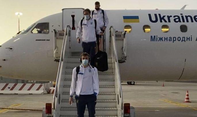 Сборная Украины прибыла в Рим на матч с Англией - ФОТО