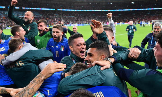 Италия - Испания 1:1 (4:2 пен.). Статус-кво 20-го века восстановлен