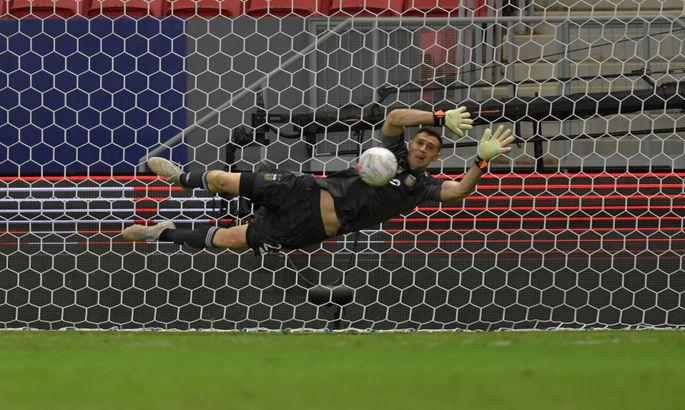 Голкипер отодвинул Месси на второй план. ВИДЕО, как Аргентина выиграла по пенальти у Колумбии