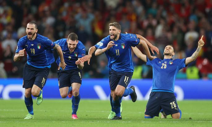Скорость, центр поля и обороны и истерика по Стерлингу. Пять преимуществ сборной Италии перед финалом Евро-2020