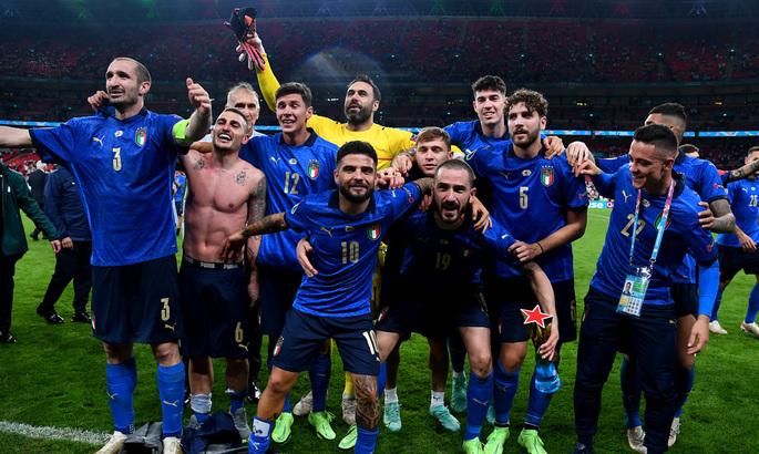 Замены под 11-метровые не сработали. Видео серии пенальти в финале Евро