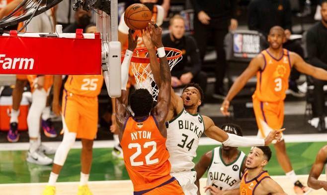 Потрясающий блок-шот Адетокумбо – момент дня в НБА. ВИДЕО