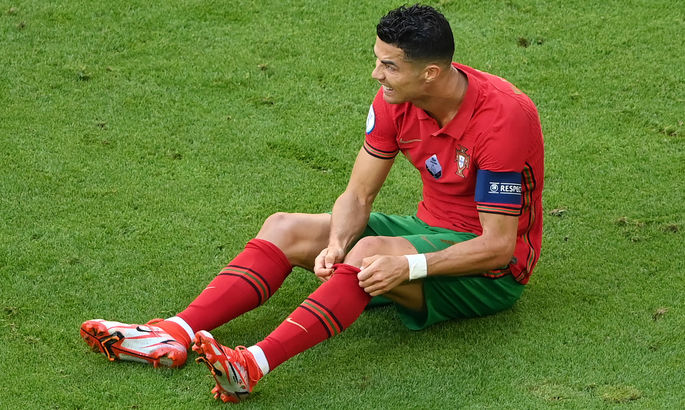 """""""Родные были в очках, но я видел их слезы"""". Роналду рассказал о самом тяжелом моменте в карьере игрока"""