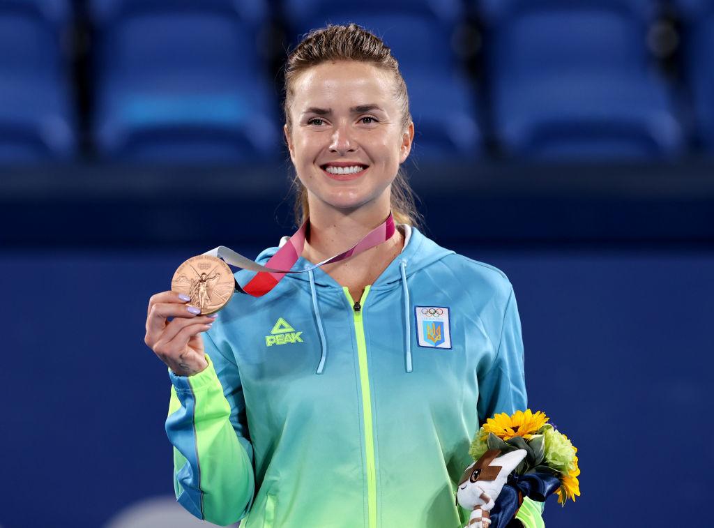 Элина Свитолина получила олимпийскую медаль: Лучшие фото из церемонии награждения - изображение 3