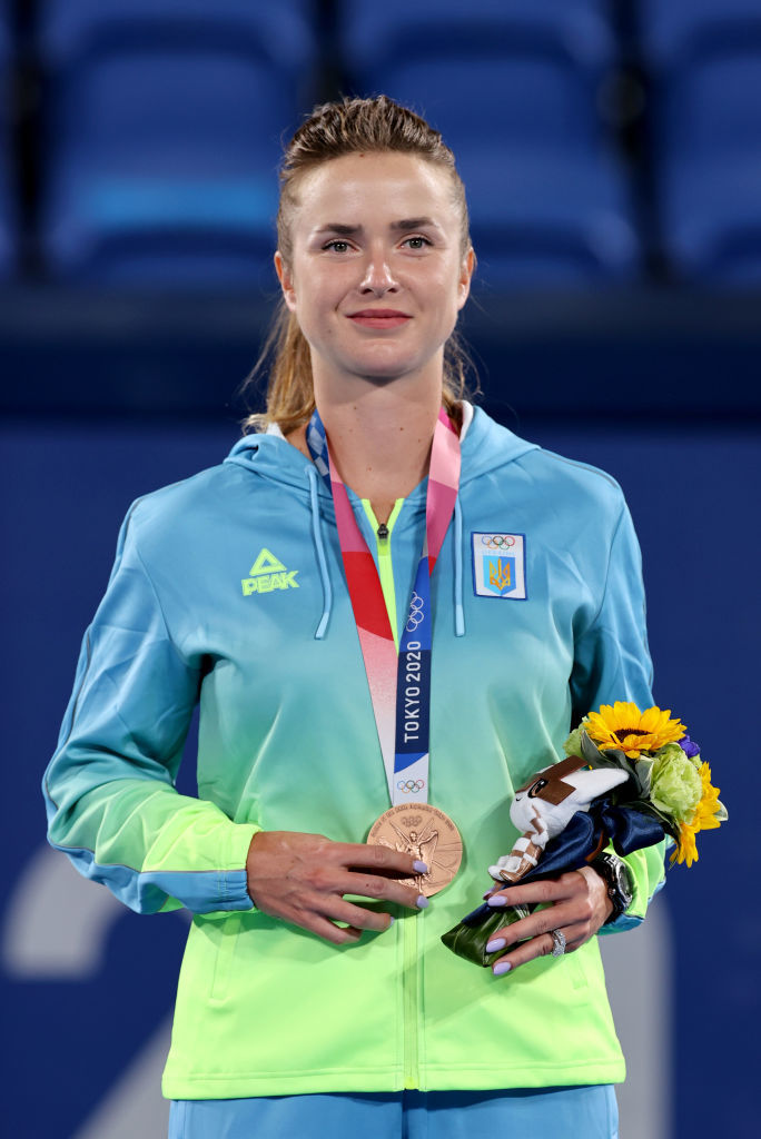 Элина Свитолина получила олимпийскую медаль: Лучшие фото из церемонии награждения - изображение 2