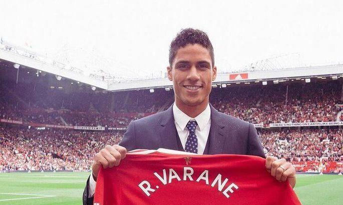 Манчестер Юнайтед официально представил Варана