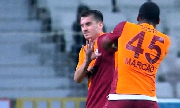 Конфликт между партнерами. Защитник Галатасарая поколотил партнера во время матча и был удален